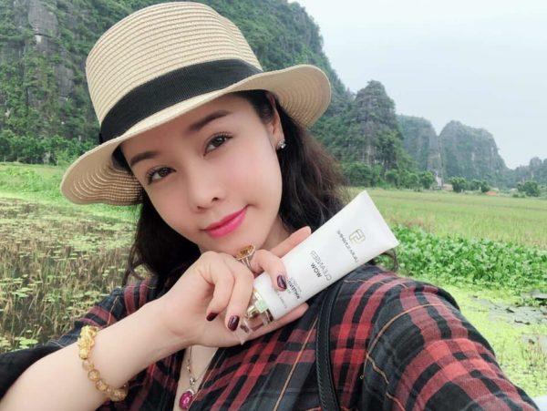Cleanser Wow – Sữa rửa mặt sáng da và ngừa mụn