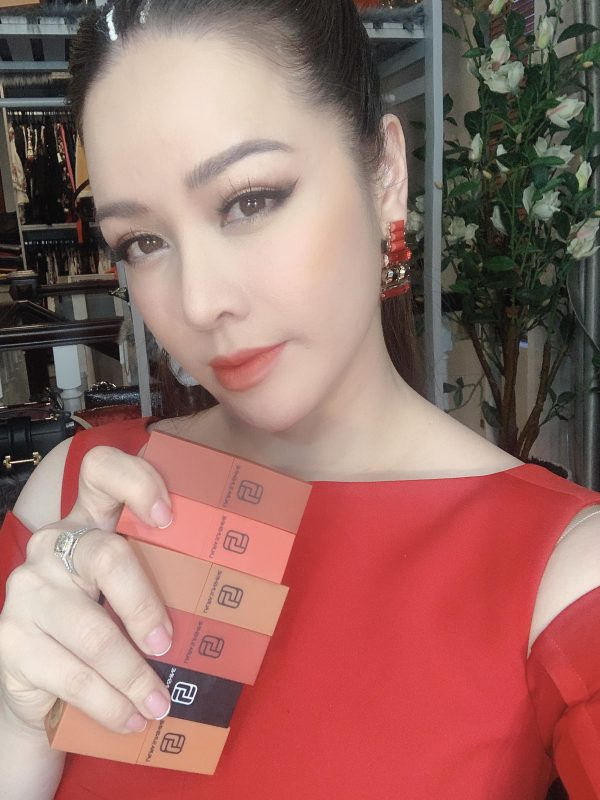 Son Laura Sunshine Nhật Kim Anh